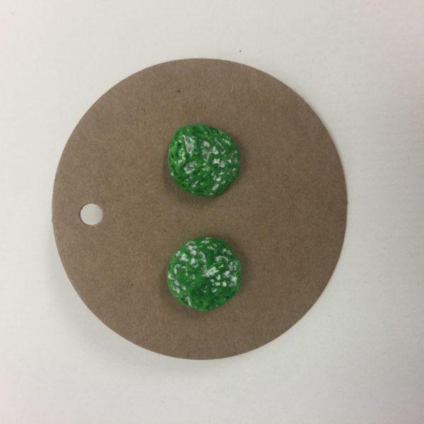 Uhani zeleni okrogli z luknicami