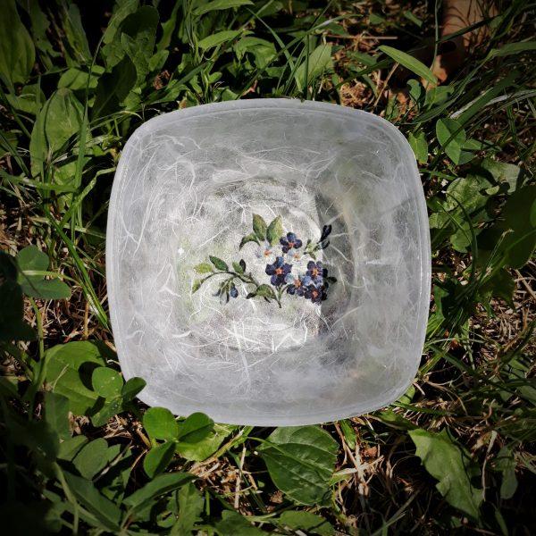Skleda mala okrasna z rožami štirikotna